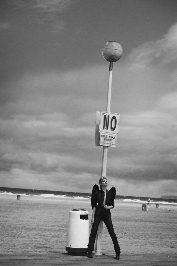 For the September issue of Numero, Peter Lindbergh shot Daphne Groeneveld with French actor Pascal Greggory in this beautiful romantic black and white editorial entitled L'Ange.