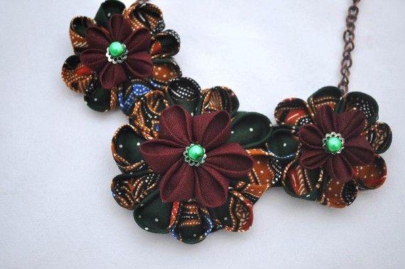 Javanese  Batik Fabric Jewellry Set Bib Necklace by chomelchomel, €22.00