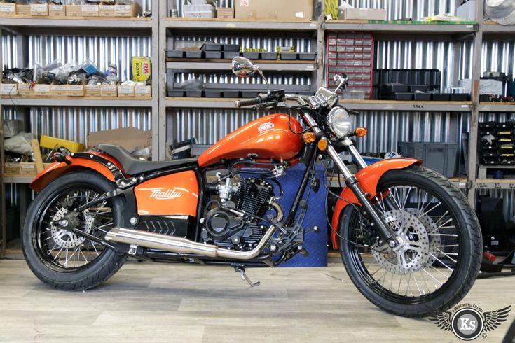 Johnny Pag finition noir disponible chez KS Motorcycles. custom bike harley-davidson harley davidson chopper 125 bobber 125cc moto kustom store motorcycles avis biker motocycle motorcycles malibu