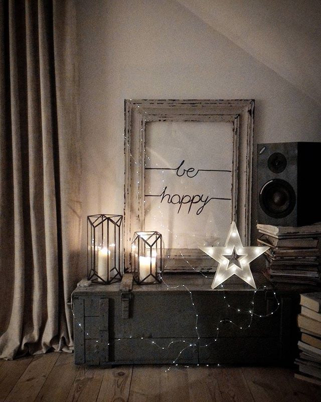 🌟nightnight🌟 🎵🎼3words- cheryl cole .will i am ...hehe na zamiane z limp bizkit;)ah ta wolnosc glosnosci muzyki-to mega plus domu... rozstawiamy naglosnienie,muzyka sie saczy,zara sidamy do filmow,milego wieczoru i dla Was ... #marideko #nightnight #behappy #music #maridekoprzytulnydom #poster #freedom #naturelovers #lights #diy #simplicity #books #evening #newyear