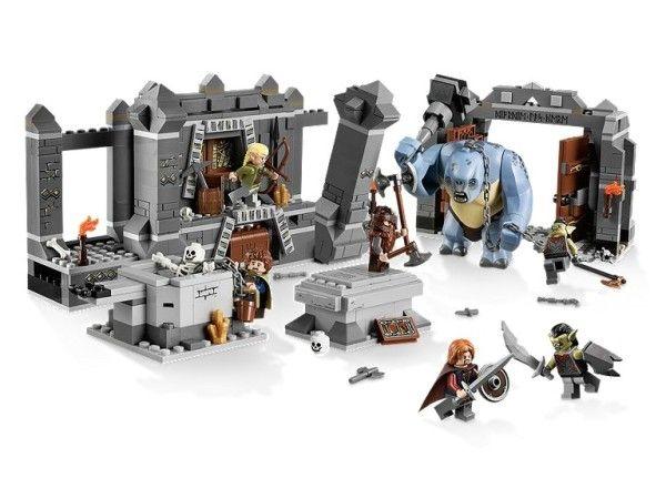 FIERARIA ORCILOR (9476) LEGO LORD OF THE RINGS - FIERARIA ORCILOR (9476) Creeaza armata cea intunecata a lui Saruman la Orc Forge !
