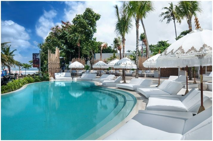a very relaxing place to spend an afternoon...Cocoon Beach Club Bali