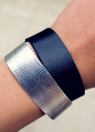 Kup mój przedmiot na #vintedpl http://www.vinted.pl/accessories/bizuteria/9893200-czarna-bransoletka-skorzany-pasek-z-metalowym-regulowanym-zapieciem
