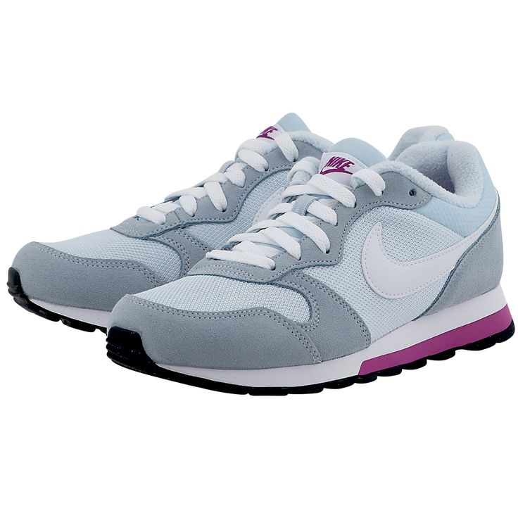 Βασισμένα σε ένα εμβληματικό μοντέλο για τρέξιμο της δεκαετίας του '90, τα γυναικεία παπούτσια Nike MD Runner 2 διατηρούν όλες τις λεπτομέρειες του αρχικού μοντέλου, συνδυάζοντας το εξαιρετικά δροσερό διχτυωτό επάνω μέρος με τις επικαλυπτόμενες φάσες από σουέντ. Ωστόσο, διαθέτουν ενδιάμεση σόλα Phylon με έγχυση αντί για EVA, προσφέροντας πιο ανάλαφρη αντικραδασμική προστασία.      Επάνω μέρος από διχτυωτό υλικό για δροσερή αίσθηση και επικαλυπτόμενες φάσες από σουέντ για μεγαλύτερη ανθεκτ...