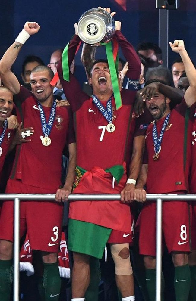 Cristiano Ronaldo Euro 2016 Portugal Champion http://celevs.com/top-10-photos-of-cristiano-ronaldo-portugal-euro-2016/