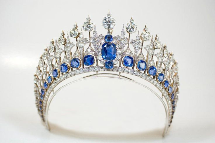 The Dutch court authorized the release of this close up of the Dutch sapphire tiara as worn by Queen Maxima of the Netherlands during the inauguration.