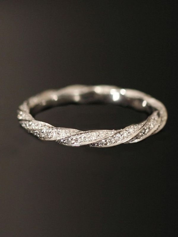 creative twisted fancy wedding band rings to fit with engagement rings anillos de compromiso | alianzas de boda | anillos de compromiso baratos http://amzn.to/297uk4t