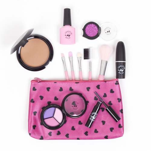 Make-up set Pink Premium Make-up set Pink Premium bestaat uit: Kwastenset Pink Nagellak Baby Pink Oogschaduw Sweet Pink Glitter Pink Mascara Black Beauty Compact poeder light, medium of dark Lippenstift Pink Make-up tasje Sweetheart Onze make-up ziet er uit en voelt als echte make-up, maar het is 100% fake make-up. De make-up geeft geen kleur af, waardoor het spelen met deze make-up …