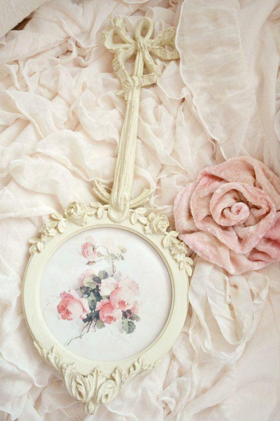 28 best Shabby chic frames images on Pinterest | Shabby chic frames ...