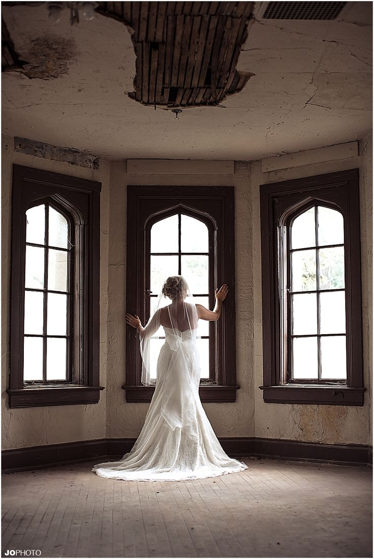 knoxville wedding photographer bridal portrait in window httpwwwjophotoonline