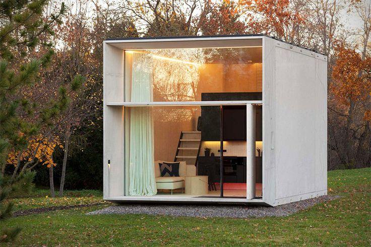 Une maison contemporaine préfabriquée montée en 7H - Visit the website to see all pictures http://www.amenagementdesign.com/architecture/maison-prefabriquee-kodasema/