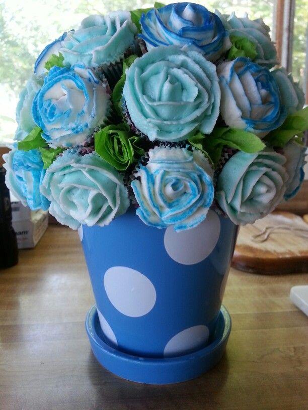 Mini cupcake bouquet www.mandashomemadecupcakes.com
