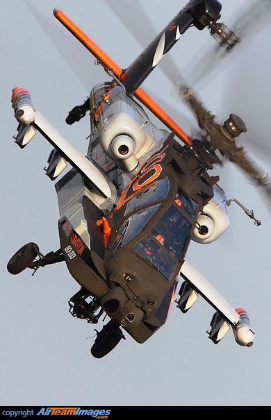 #Boeing AH-64D Apache Longbow  Los norteamericanos usan el color anaranjado en sus aviones cuando estos son prototipos en período de prueba.