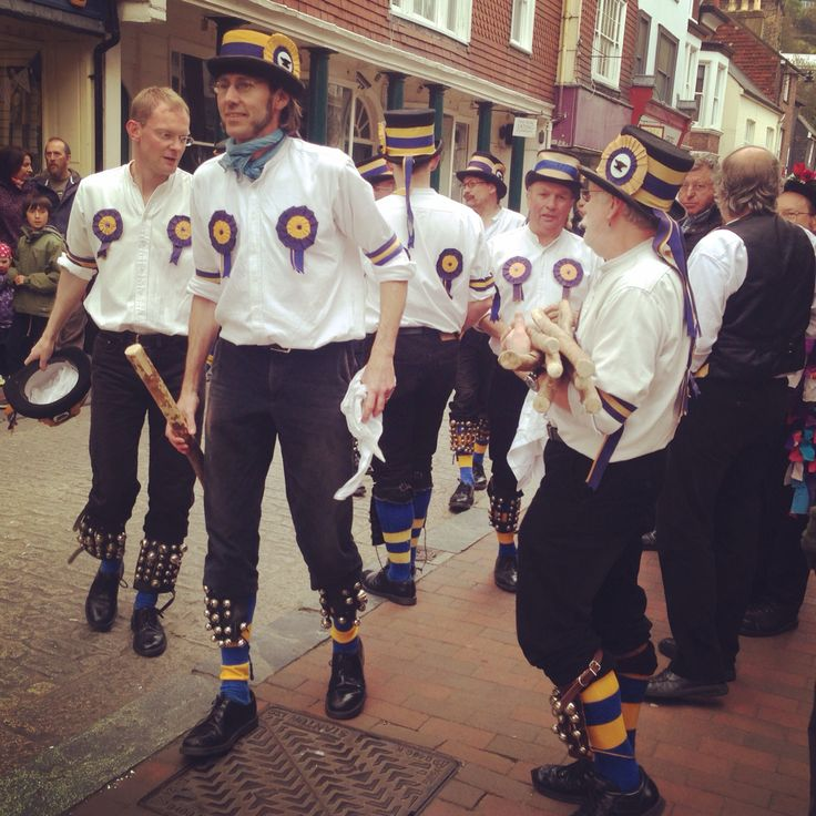 Getting Morris jiggy in the high street! First the hankies, then the sticks, and afternoon of leg bells #Lewes #morrisdancing #mayday
