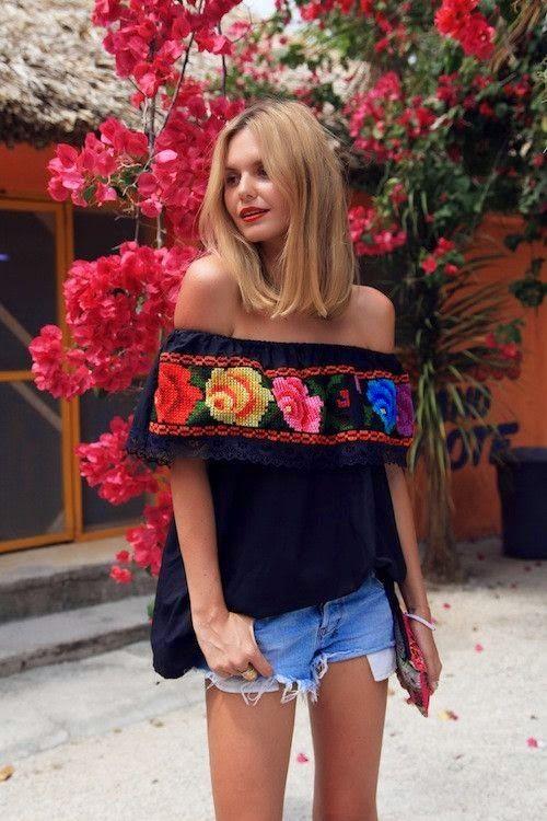 Por Marcela Paolicchi 5/05/16 5 de Mayo Outfit Casi Lista para celebrar este 5 de mayo? que mejor que con estos bellos diseños Mexicanos bordados a mano y algunos a maquina, me encantan combinados …