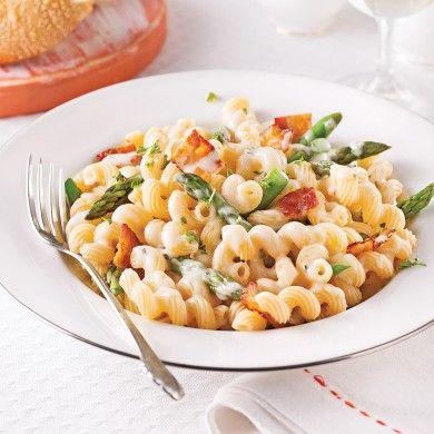 Tortiglionis aux asperges et bacon, sauce béarnaise - Soupers de semaine - Recettes 5-15 - Recettes express 5/15 - Pratico Pratique
