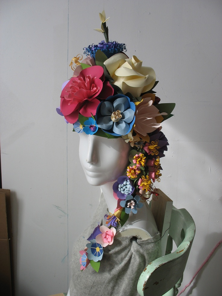 Eloise Danch does the most beautiful paper flower sculptures.