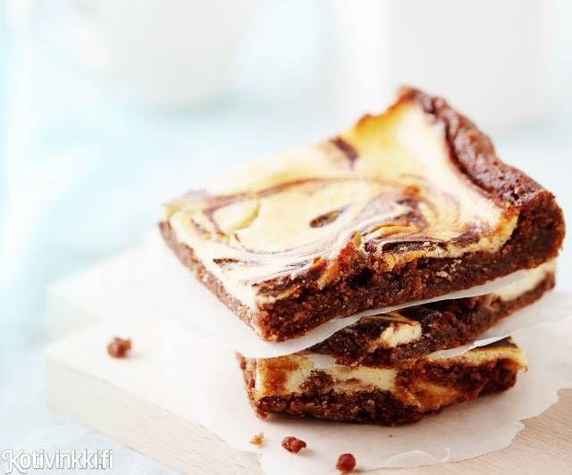 Juusto-suklaaleivokset ovat oiva vaihtoehto pääsiäisen rahkapullille. Nämä pääsiäisherkut maistuvat sekä juustokakun että suklaakakun ystäville! Katso ohje ja leivo!