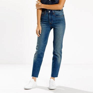 The cheekiest jeans in your wardrobe. Inspired by the vintage Levi?s® jeans. Hug your waist and hips, showcasing your best assets. Cut for a close fit with added stretch, this pair features a raw hem and zips at the ankle for an even edgier option.
