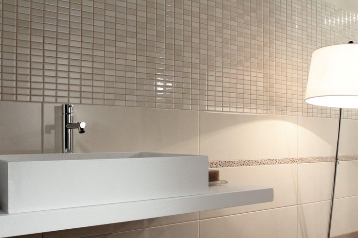 MT [MarbleTones] | The #classic flavour of #marble lives on in a #bathroom #tiling that interprets the #style needs of those #looking to #surround themselves in taste and sophisticate, without compromising on the #modernity of #porcelain #stoneware #ceramics.