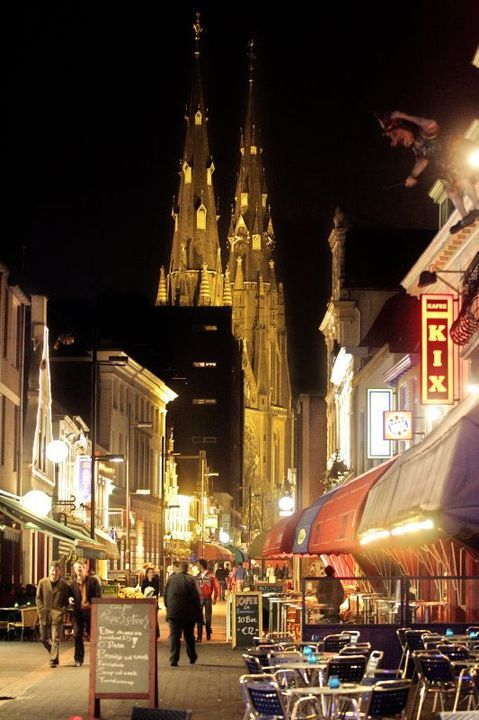 My Hometown..Eindhoven,Netherlands Stratumseind vroeg in de avond.