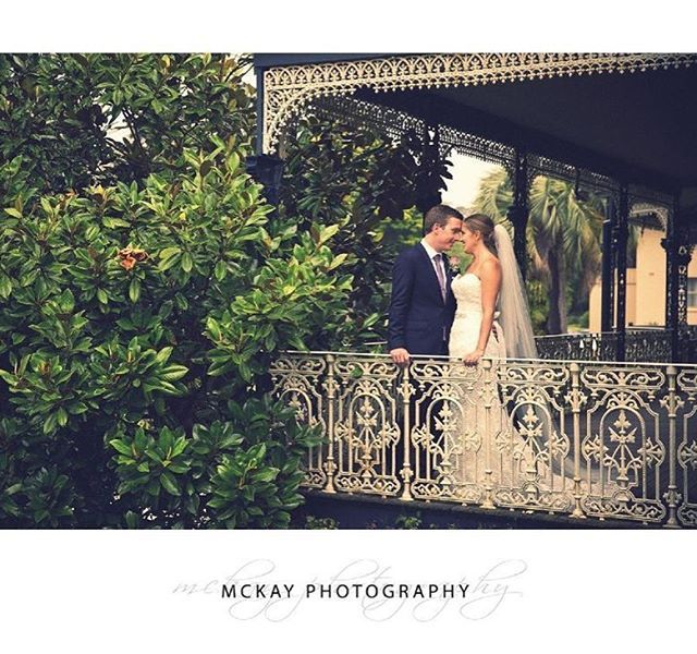 The beautiful old veranda with intricate iron railings at Peppers Craigieburn is a perfect spot for photos on a wet day #pepperscraigieburn #bowral #wedding #mckayphotography @peppershotels