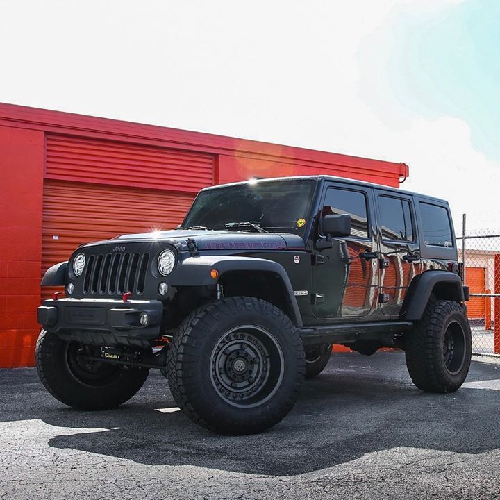 Lifted With A Metal Cloak 4 5 Lift Kit Sitting On Black Rhino