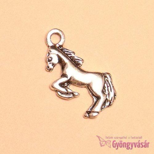 Ezüstszínű ugrató ló - fém zsuzsu/fityegő