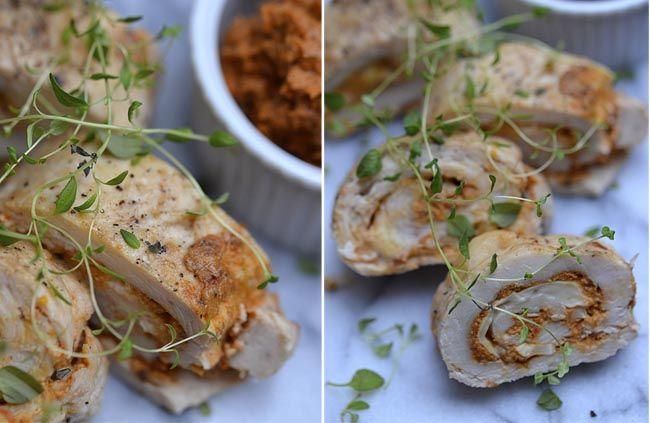 KYLLING FYLDT MED BRIE OG SOLTØRRET TOMAT TAPENADE - Twin Food