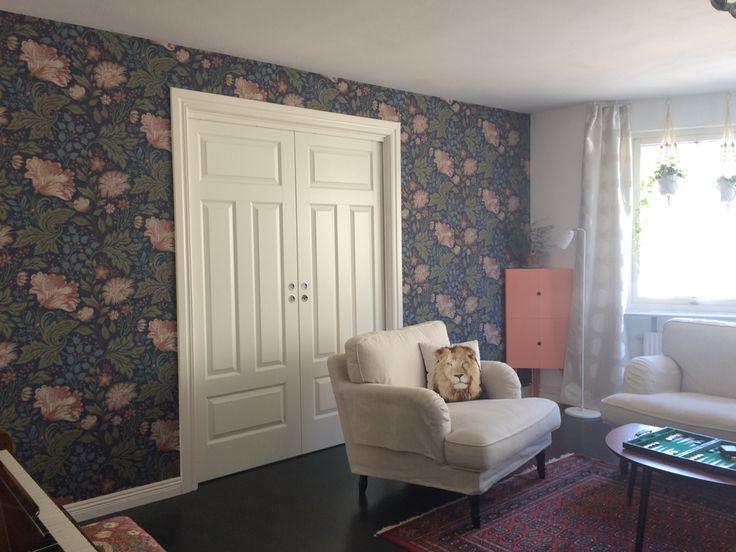 Wallpaper Ava