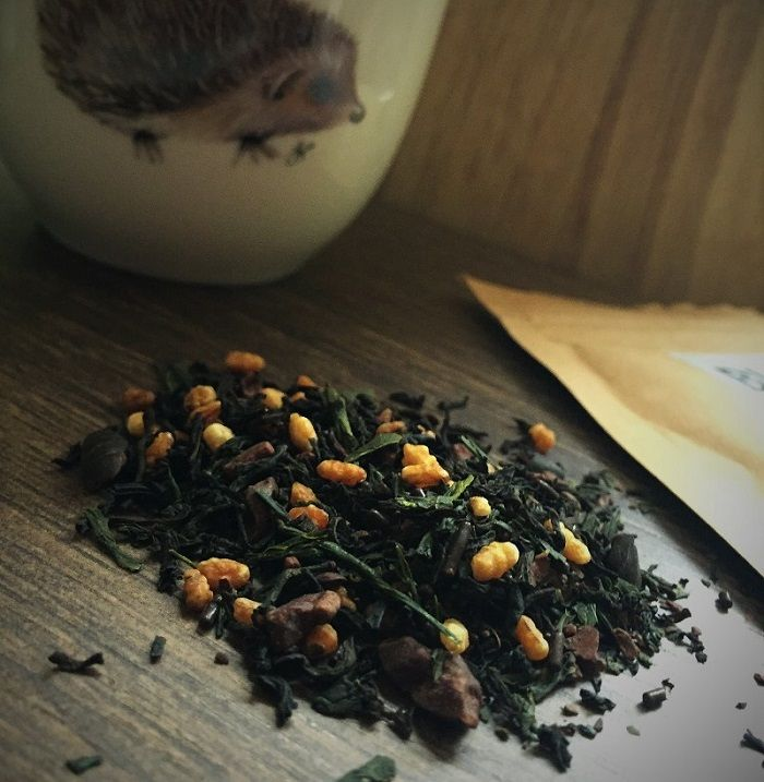Choco Pops an autumnal green tea blend, genmaicha twist with chocolate and black tea by Bluebird Tea co