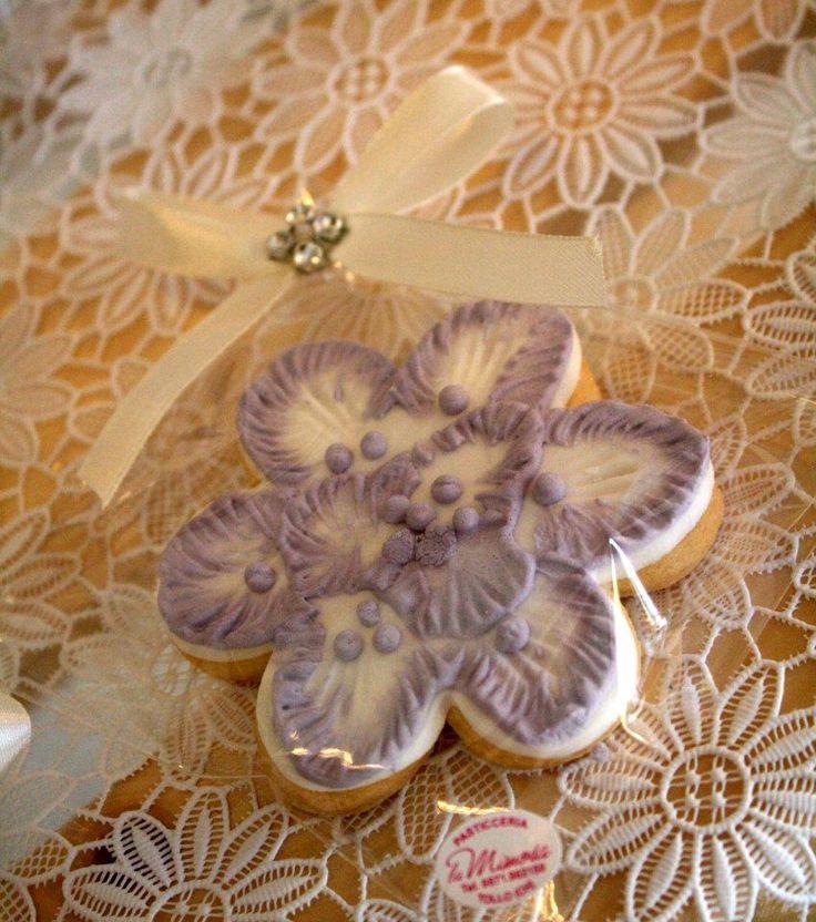 fiori #segnaposto #bomboniera. Creazione della pasticceria La Mimosa di simocakedesigner.it