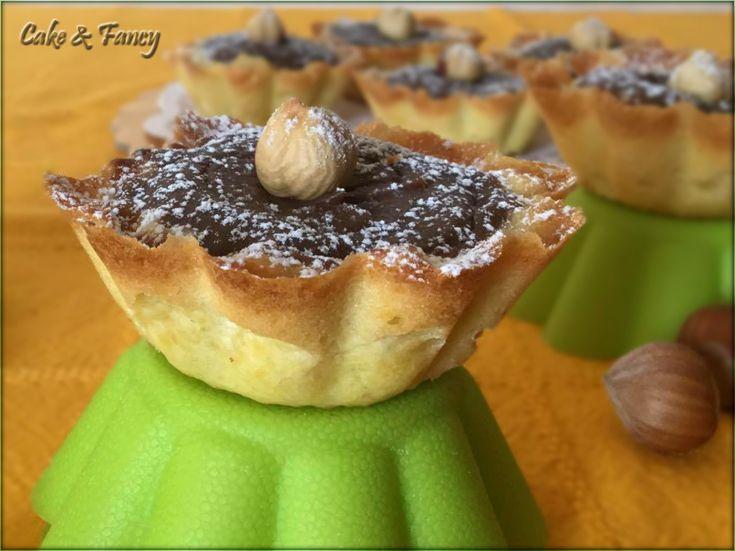Crostatine crema ricotta e nocciole