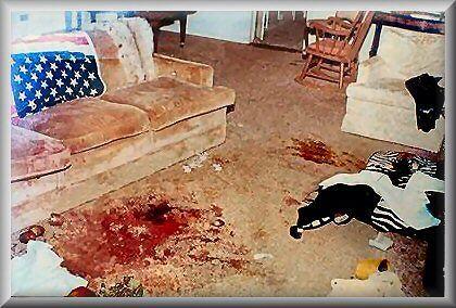 Sala de estar da casa em Cielo Drive, local em que foi descoberto os corpos de Sharon Tate e Jay Sebring
