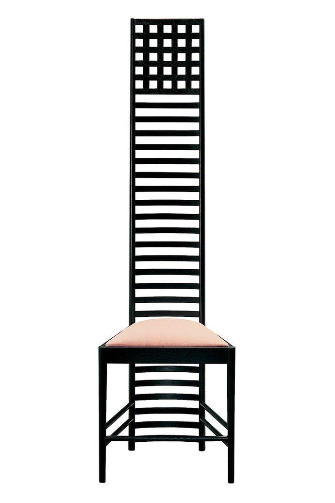 Стул для столовой «Дома на холме» стал визитной карточкой дизайнера. На фото — его современное переиздание от Cassina.