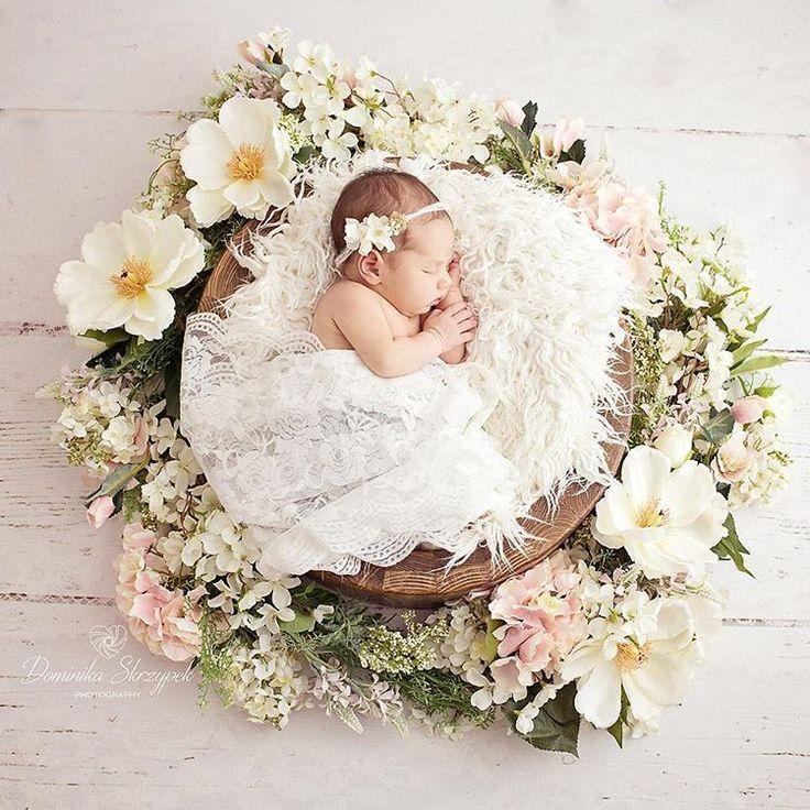18 Creative Newborn Photography Ideas