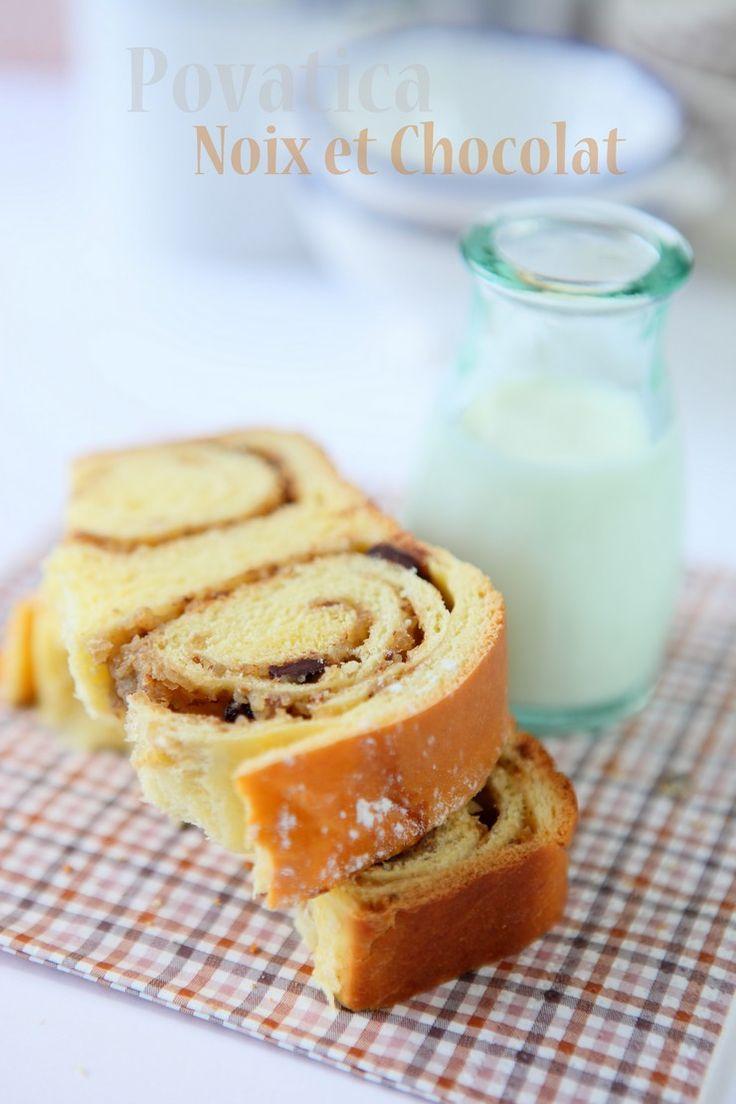 Povatica / potica (Brioche mit Walnüssen und Schokolade)