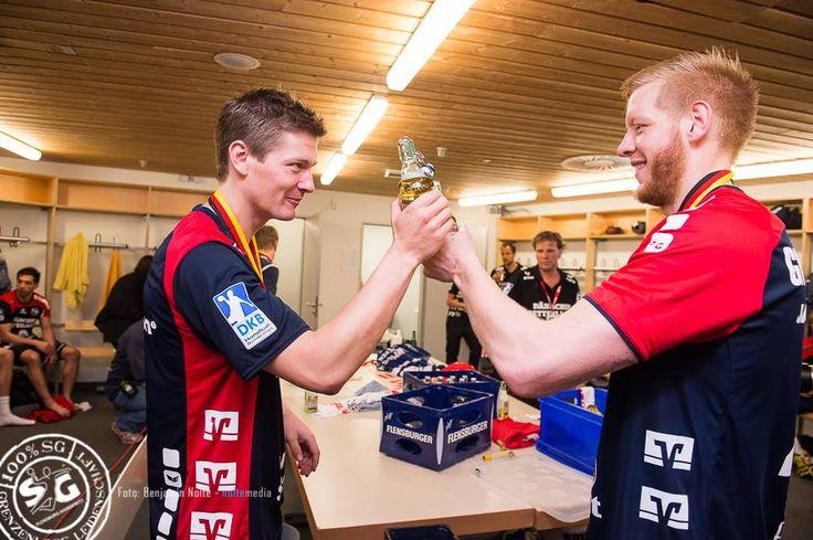 Lasse Svan :) SG Flensburg Handewitt, clebration Pokalsieger, so sehen sieger aus schalalalala :D :D bier bier  photo: Benjamin Nolte