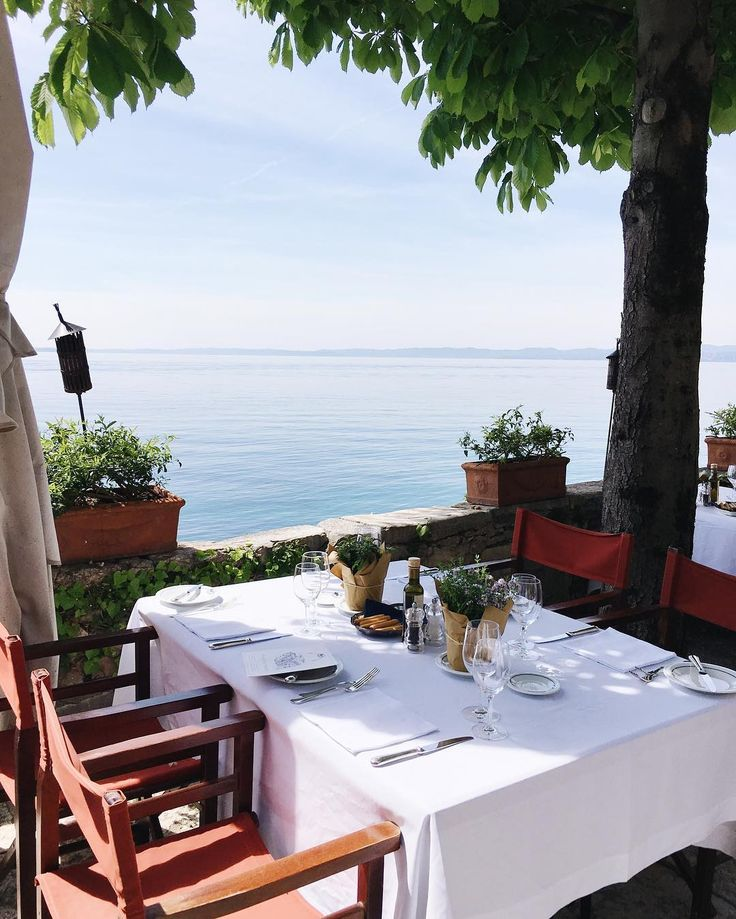 Gal Meets Glam: Lunch at Mermaid's Bay, Punta S.Vigilio - Baia delle Sirene, Lake Garda,Italy