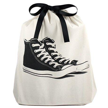 Oppbevar skoene i en stilig tøypose!