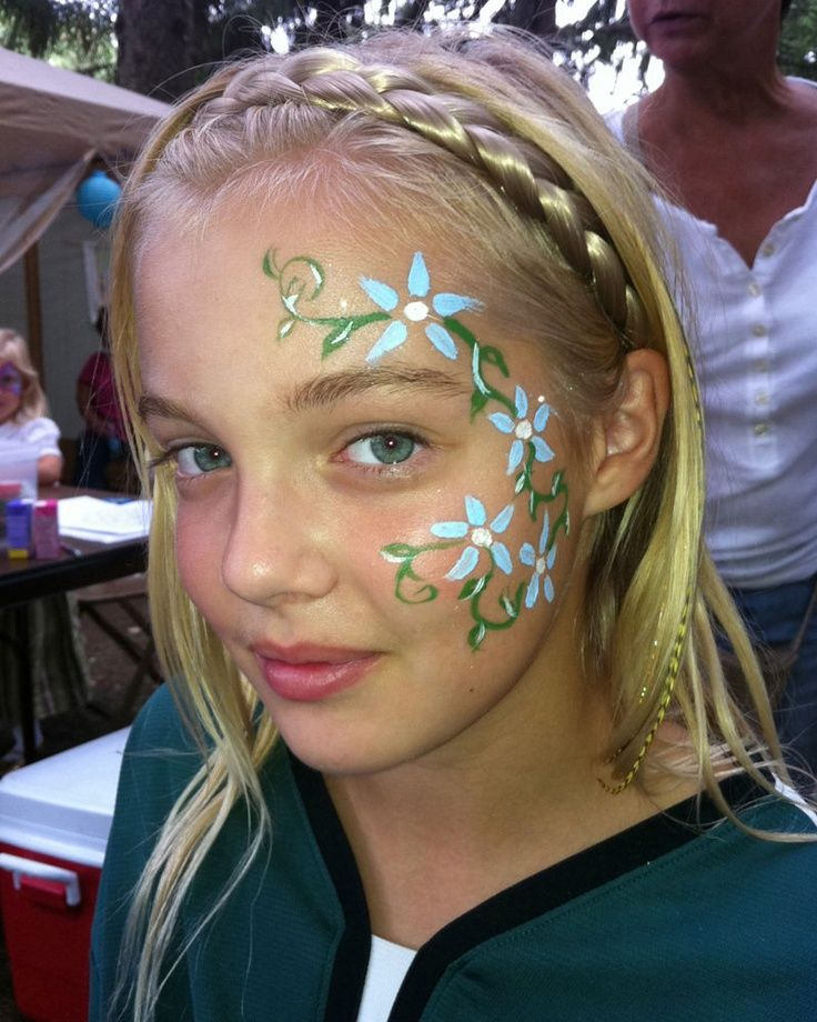 Flowers and vines face paint