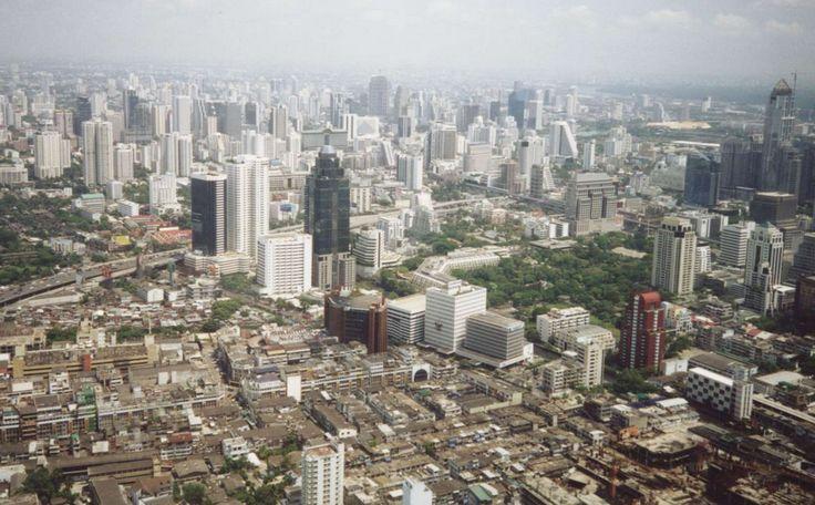 กรุงเทพมหานคร (Bangkok) Been here a few times whilst living in the Far East - terrible traffic and pollution, but fun nights out!