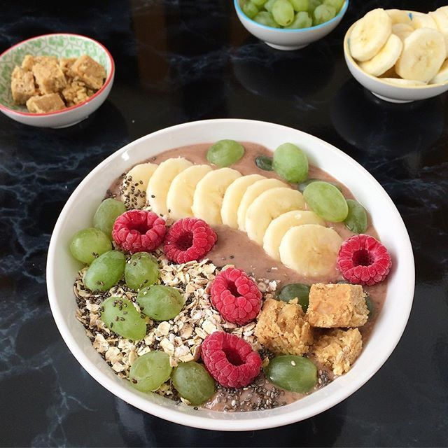 Vegan Smoothie Breakfast Bowl with a topping overload someone?!