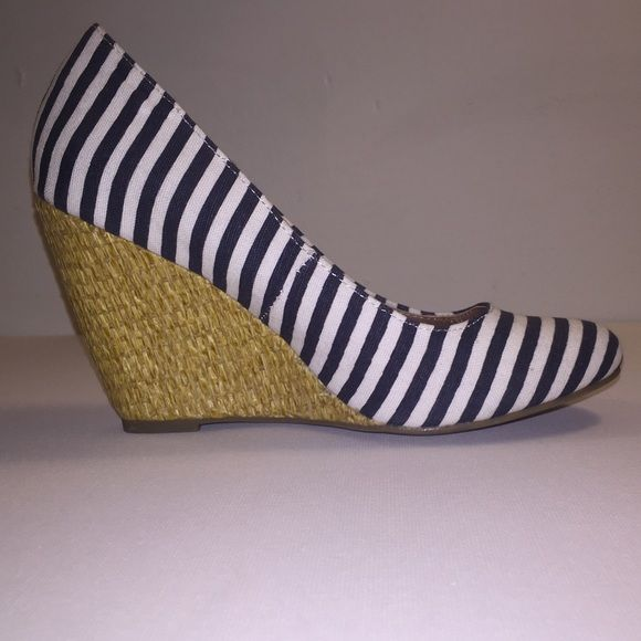 NWOB NEVER WORN NAVY STRIPE WEDGE NAUTICAL PUMP NEVER WORN - NWOB - NAVY STRIPED - WEDGE PUMPS - PERFECT CONDITION - MIX NO6 BRAND Mix No6 Shoes Wedges