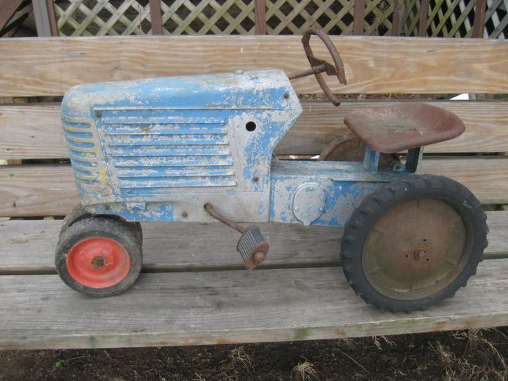 ESKA OLIVER 88 Closed Grill Pedal Tractor for parts or ...