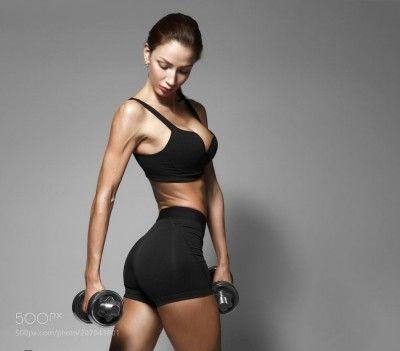 #Спорт Nice sexy woman doing workout with dumbbells by krisanow2007 Язык твита: английский. Переведено с помощью Bing  Сексуальная женщина #Спорт Nice делает тренировки с гантелями, krisanow2007