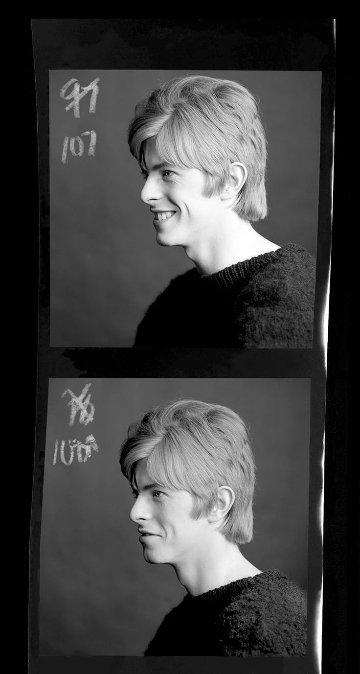 In his new book, photographer Gerald Fearnley presents never-before-seen photos of his studio session with a 20-year-old David Bowie.