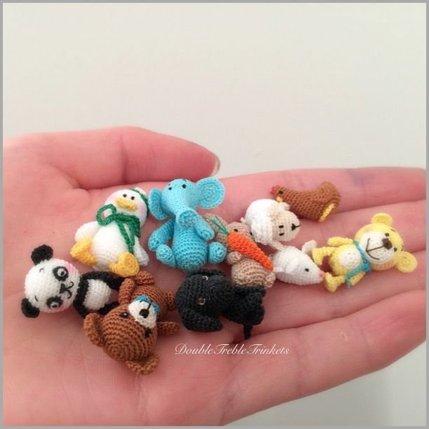 Micro lamb and its friend are made in ordinary sewing thread with 0.4mm hook