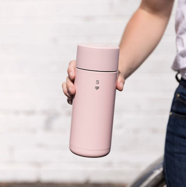 Minimal And Sweet Add A Monogrammed Heart To Your Frank Green Favourites Available For A Limited Time Only To Au Amp Nz Residents Green Tumbler Cups Sweet