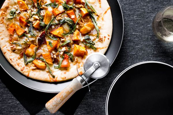 Recipe | Butternut Squash & Caramelized Onion Flatbread from @Kiersten Alyssa